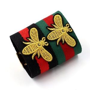 💝SET OF EMBROIDERED BEE design CUFF💝